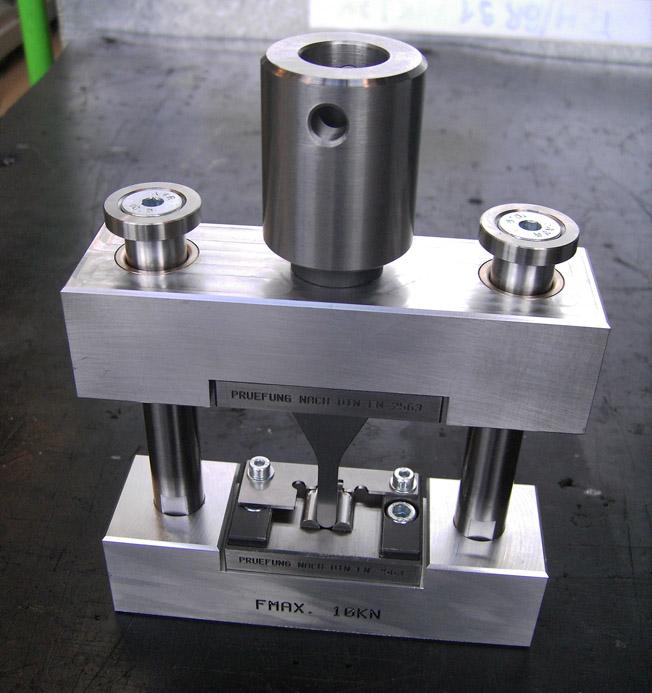 Vorrichtungen und Werkzeuge