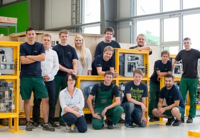 """""""Schau rein!"""" bei Industrie-Partner GmbH"""